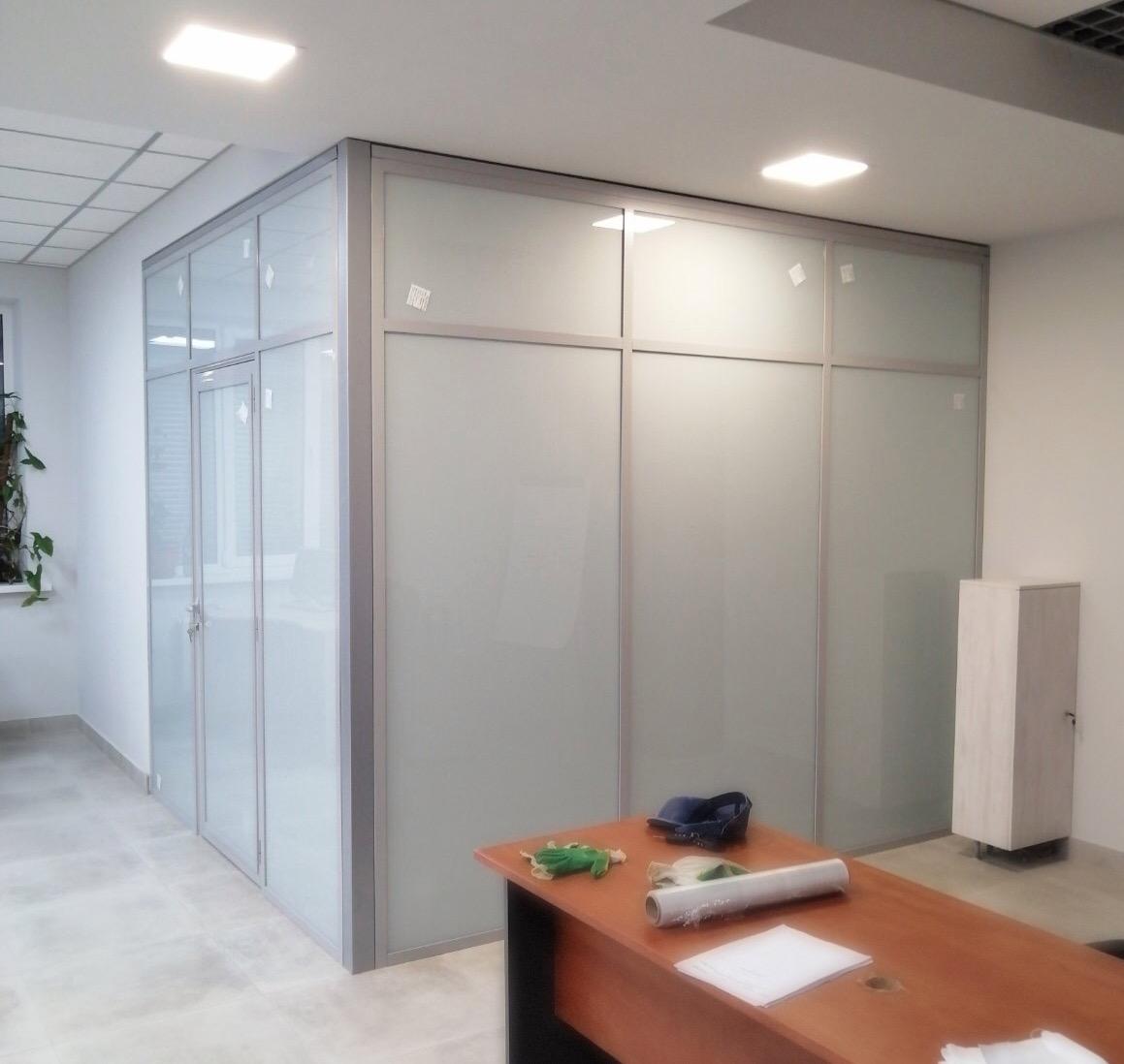 Выполнен монтаж офисной перегородки на системе ALT 111 в г. Самара