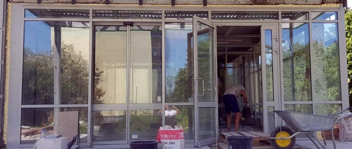 В одном из магазинов Пятерочка г. Тольятти выполнен монтаж  алюминиевых конструкций: