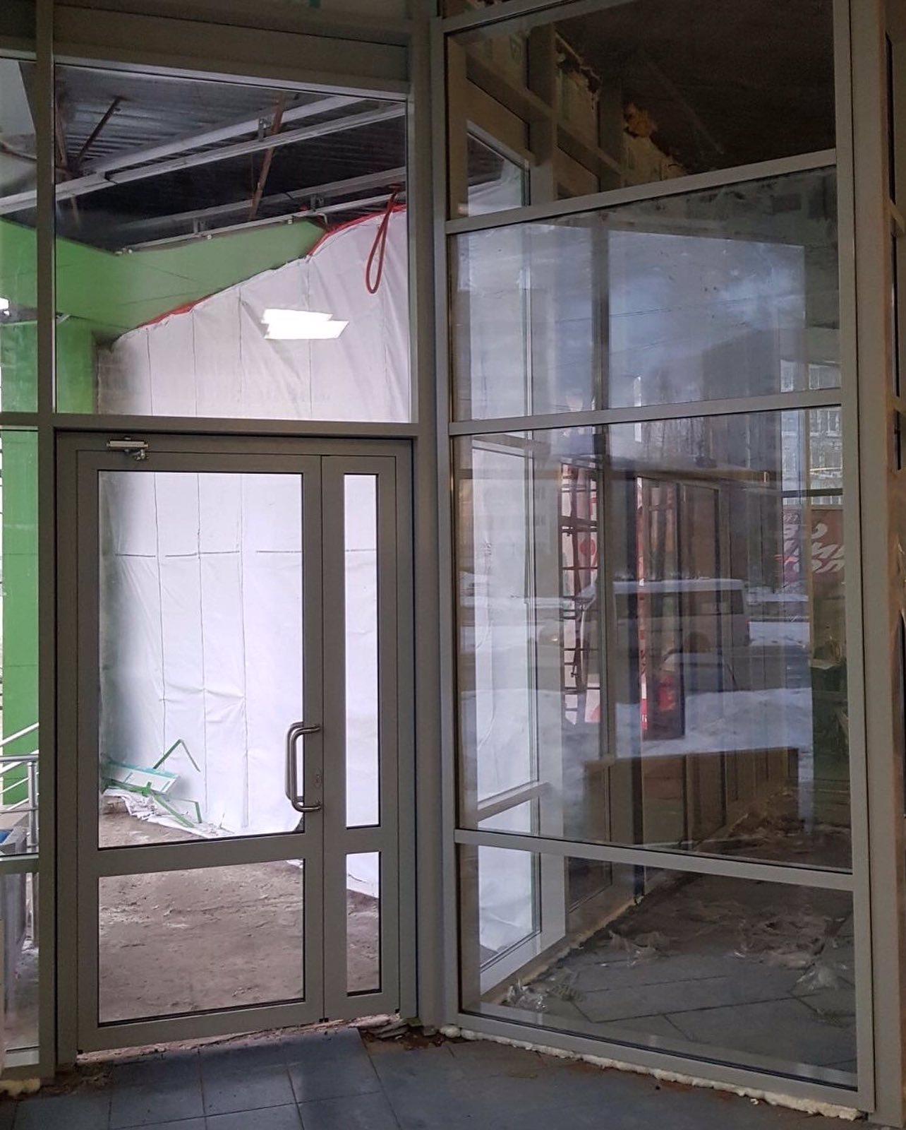 В одном из магазинов сети «Пятерочка» установлены алюминиевые конструкции